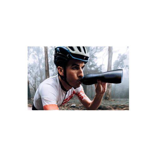 Keego Trinkflasche Classic Medium 0,75 l Dark Matter, Sportflasche mit Innenbeschichtung aus Titan, quetschbar