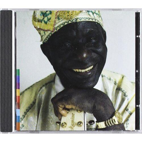 S.E. Rogie - Dead Men Don't Smoke Marijuana - Preis vom 14.05.2021 04:51:20 h