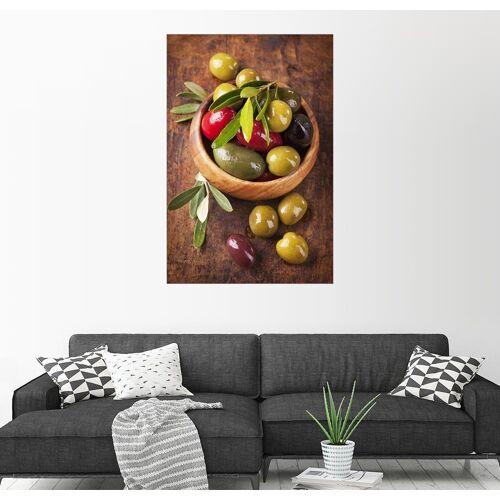 Posterlounge Wandbild, Schüssel mit Oliven auf einem Holztisch