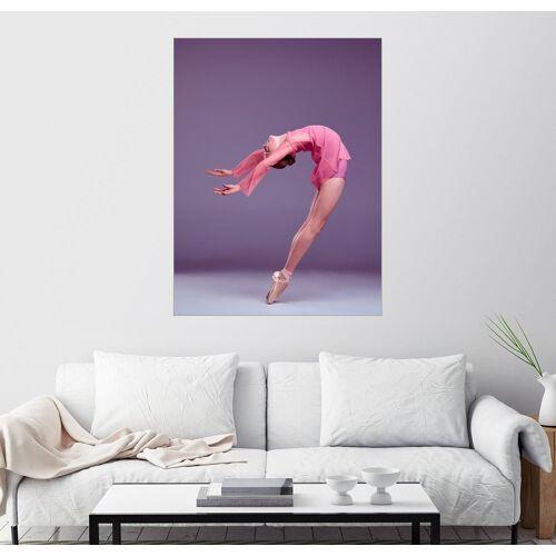 Posterlounge Wandbild, Junge Ballerina im rosafarbenen Kleid