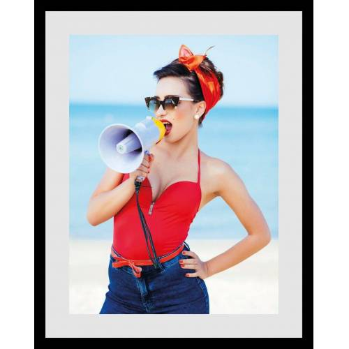 queence Bild »Frau mit megafon«, mit Rahmen