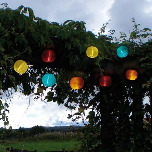 STAR TRADING LED-Lichterkette »LED Solar Lichterkette Lampion kaltweiße LED 10 bunte Lampions L: 2,70m Terrasse«, 10-flammig