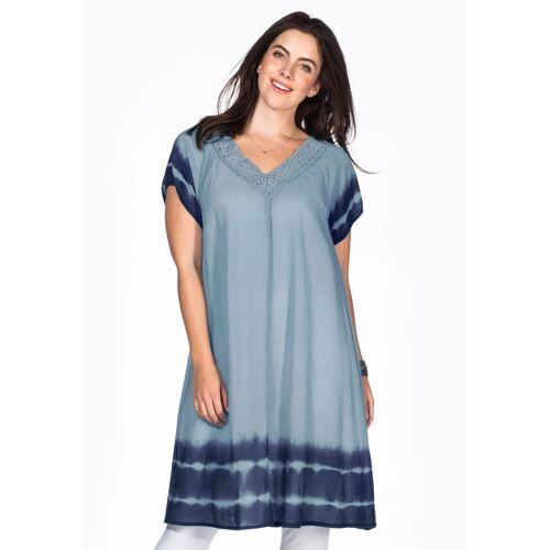 Sheego Strandkleid Batik-Effekt an Ärmeln und Saum, pastellblau
