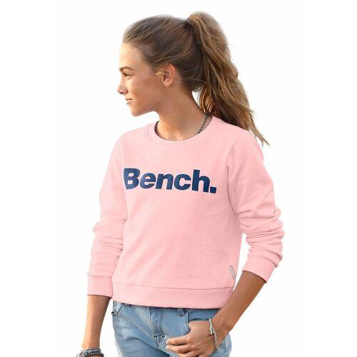 Bench. Sweatshirt in kurzer Form