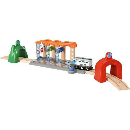 Brio Spielzeug-Eisenbahn »Smart Tech Starter Set mit Waschanlage«