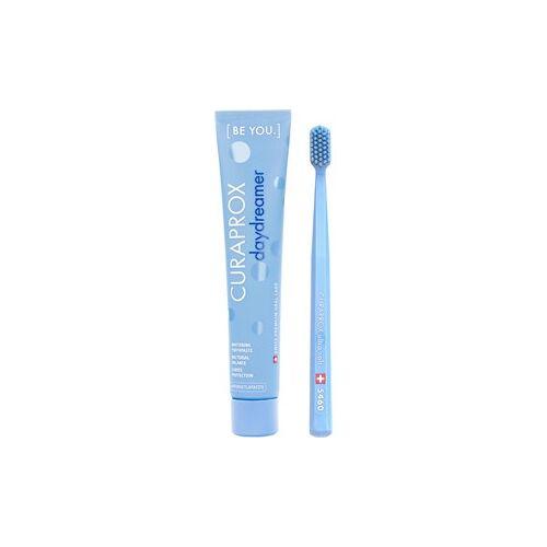 Curaprox Zahnpflege Zahnbürsten [Be You.] Set Daydreamer Zahnpasta Brombeere und Lakritze 90 ml + Zahnbürste CS 5460 Ultra Soft Blau 1 Stk.