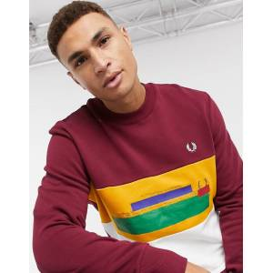 Fred Perry - Bordeauxfarvet sweatshirt med farveblok og fadet relief-Rød S