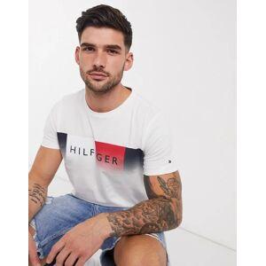 Tommy Hilfiger - hvid t-shirt med falmet logo S