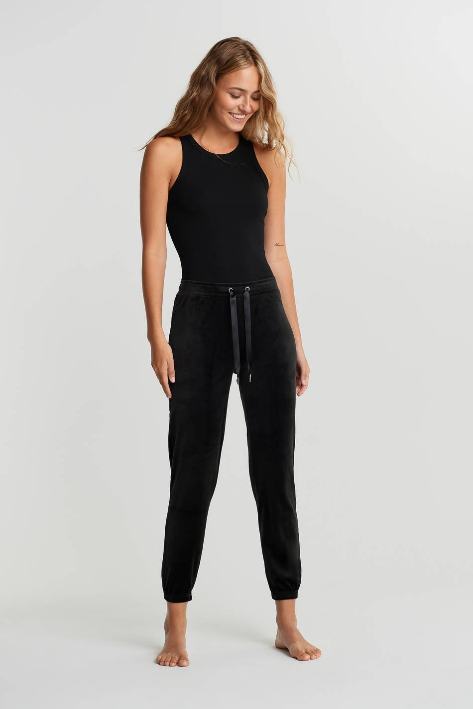 Gina Tricot Cecilia velour sweatpants XS Female Black (9000)