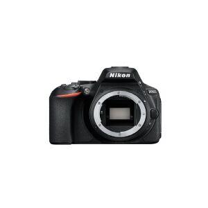 Nikon D5600 + AF-P DX 18-55mm G VR, 24,2 MP, 6000 x 4000 pixel, CMOS, Fuld HD, Touchskærm, Sort