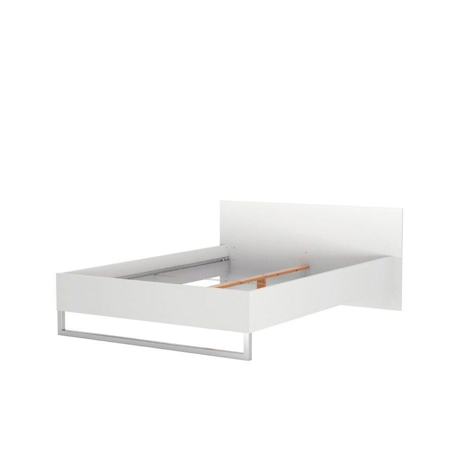 Stina seng 140 * 200 cm hvid.