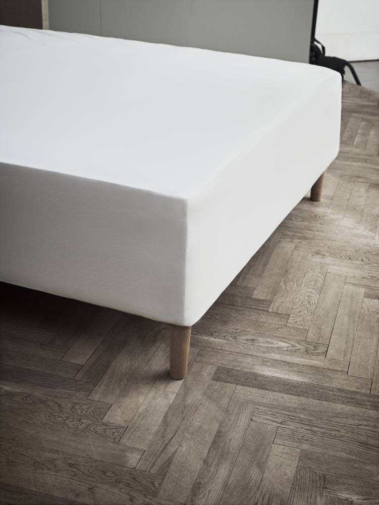 JUNA Jersy stræklagen hvid 140 x 200 x 45 cm.