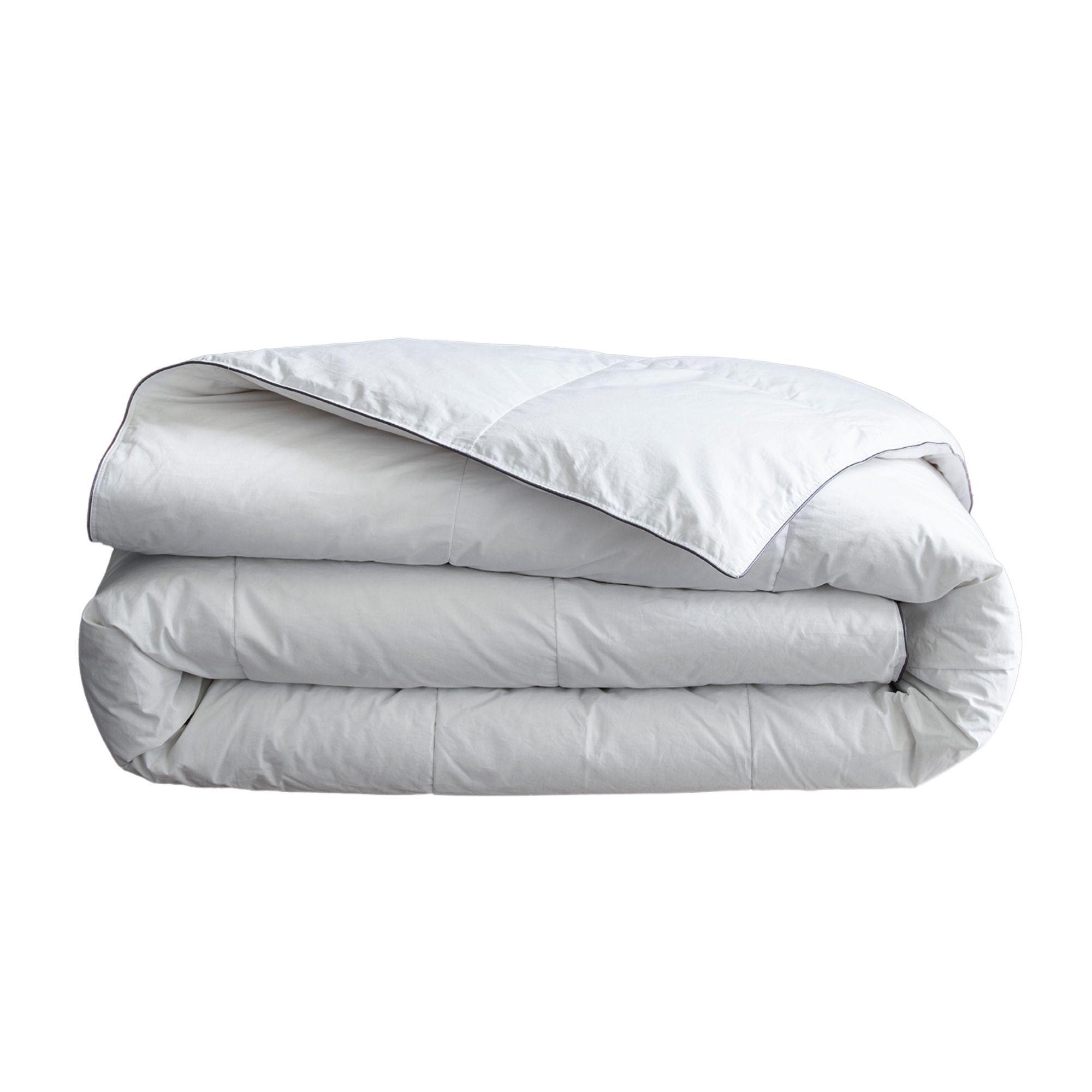 MPC Maison Couette luxe en Plume 4 saisons Blanc 240x220 cm
