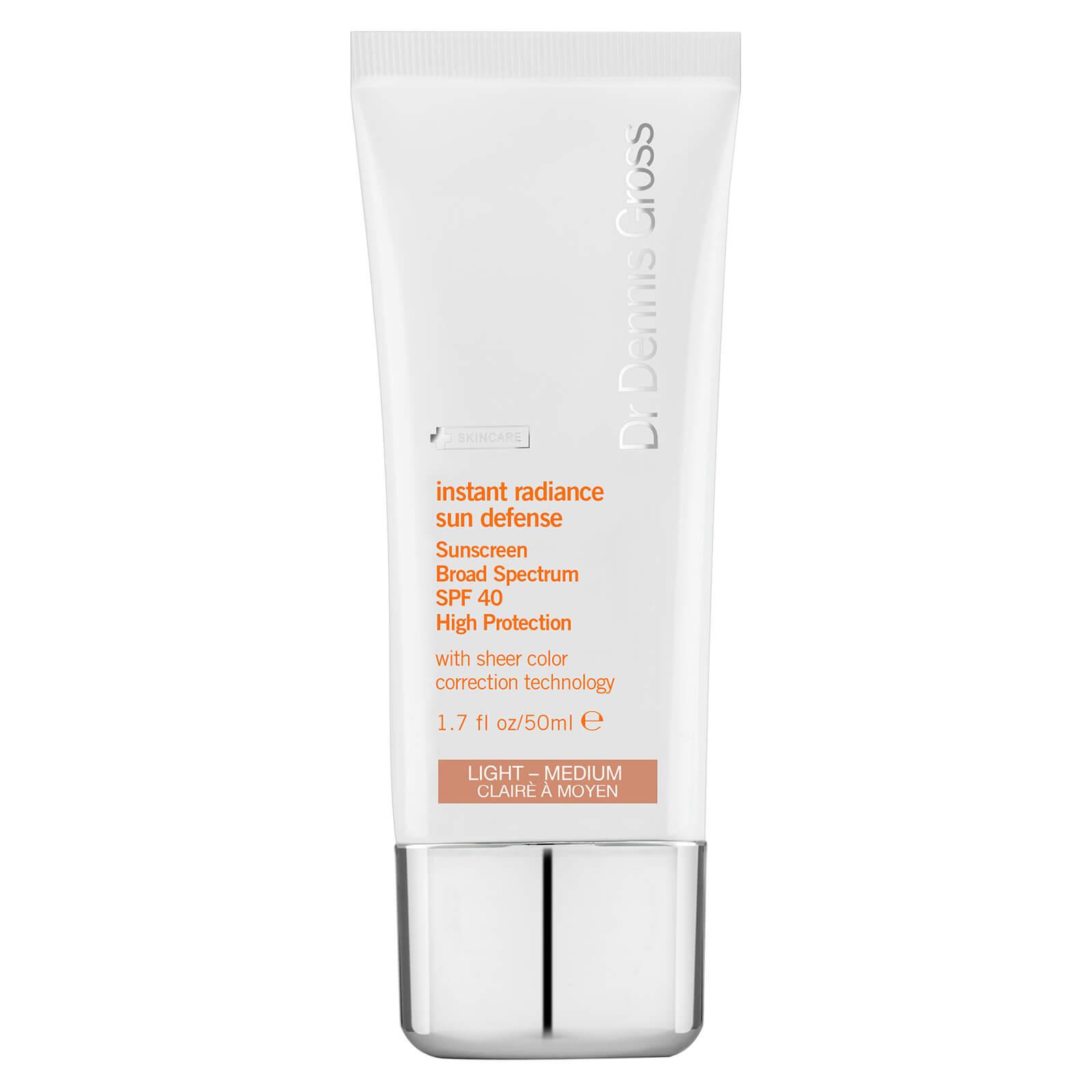 Dr Dennis Gross Skincare Crème solaire teintée Instant Radiance Sun Defense SPF 40 Dr Dennis Gross Skincare - Clair à Moyen 50 ml