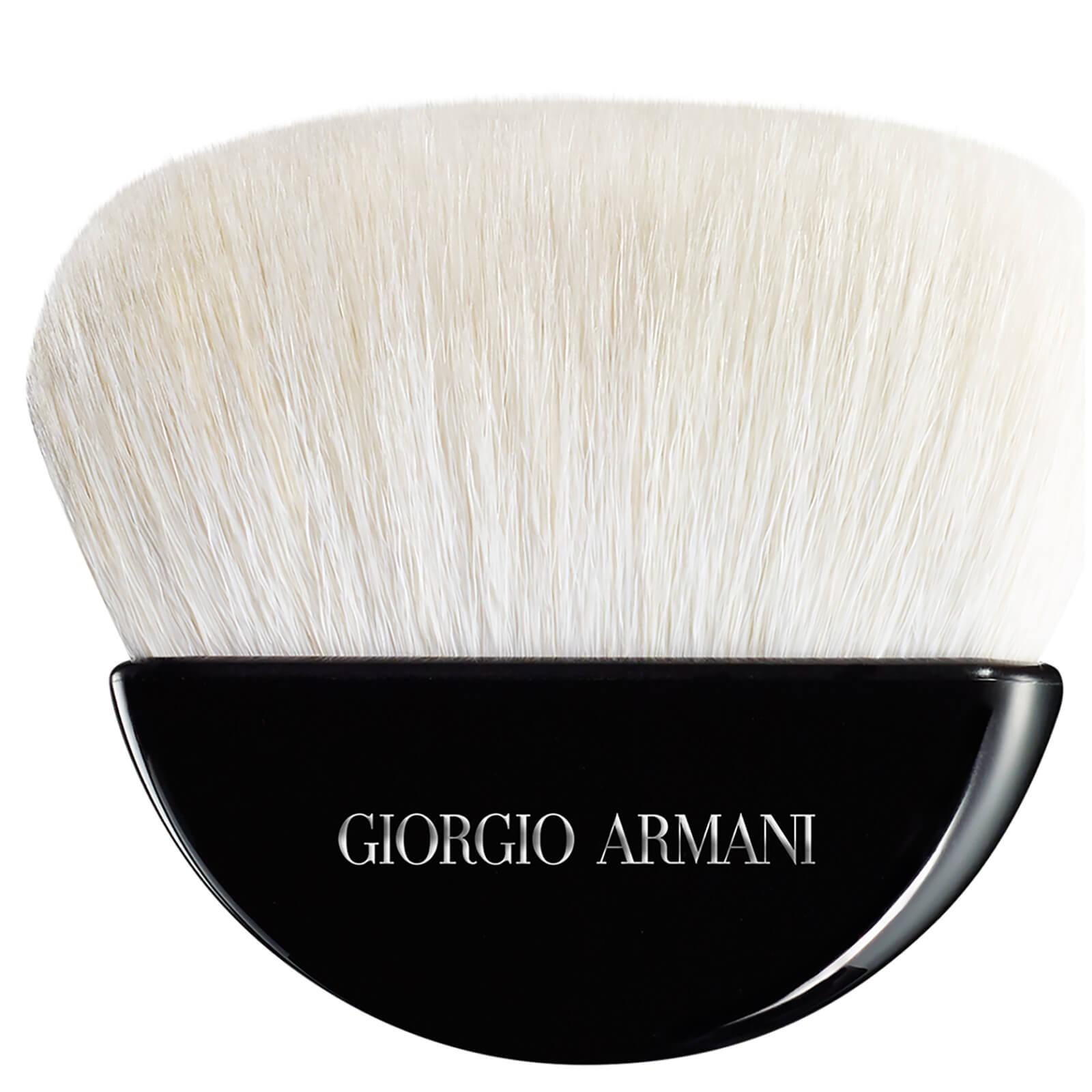 Giorgio Armani Pinceau à poudre sculptant Giorgio Armani
