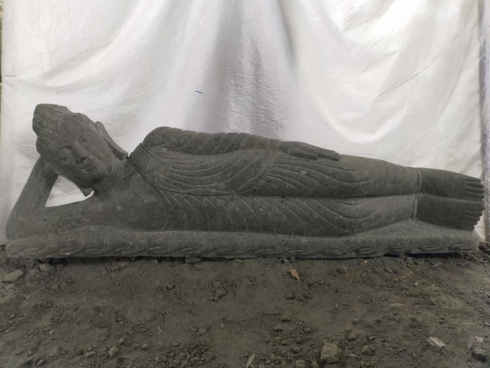 Wanda Collection Statue bouddha allongé en pierre massive volcanique extérieur zen 1m50
