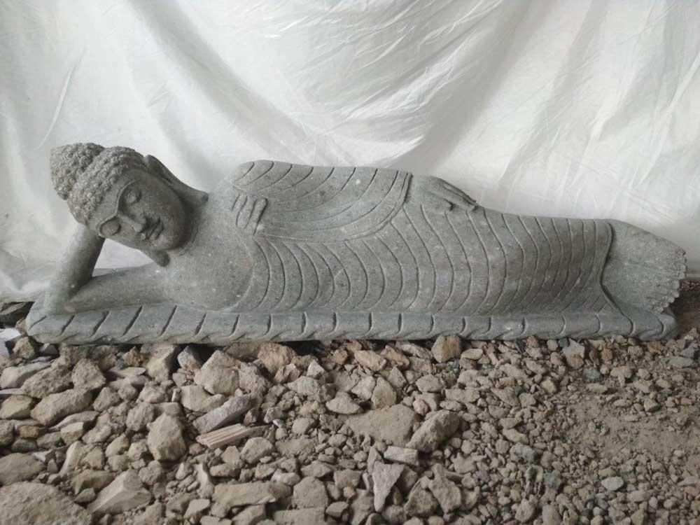 Wanda Collection Statue bouddha allongé pierre volcanique extérieur zen 1m50