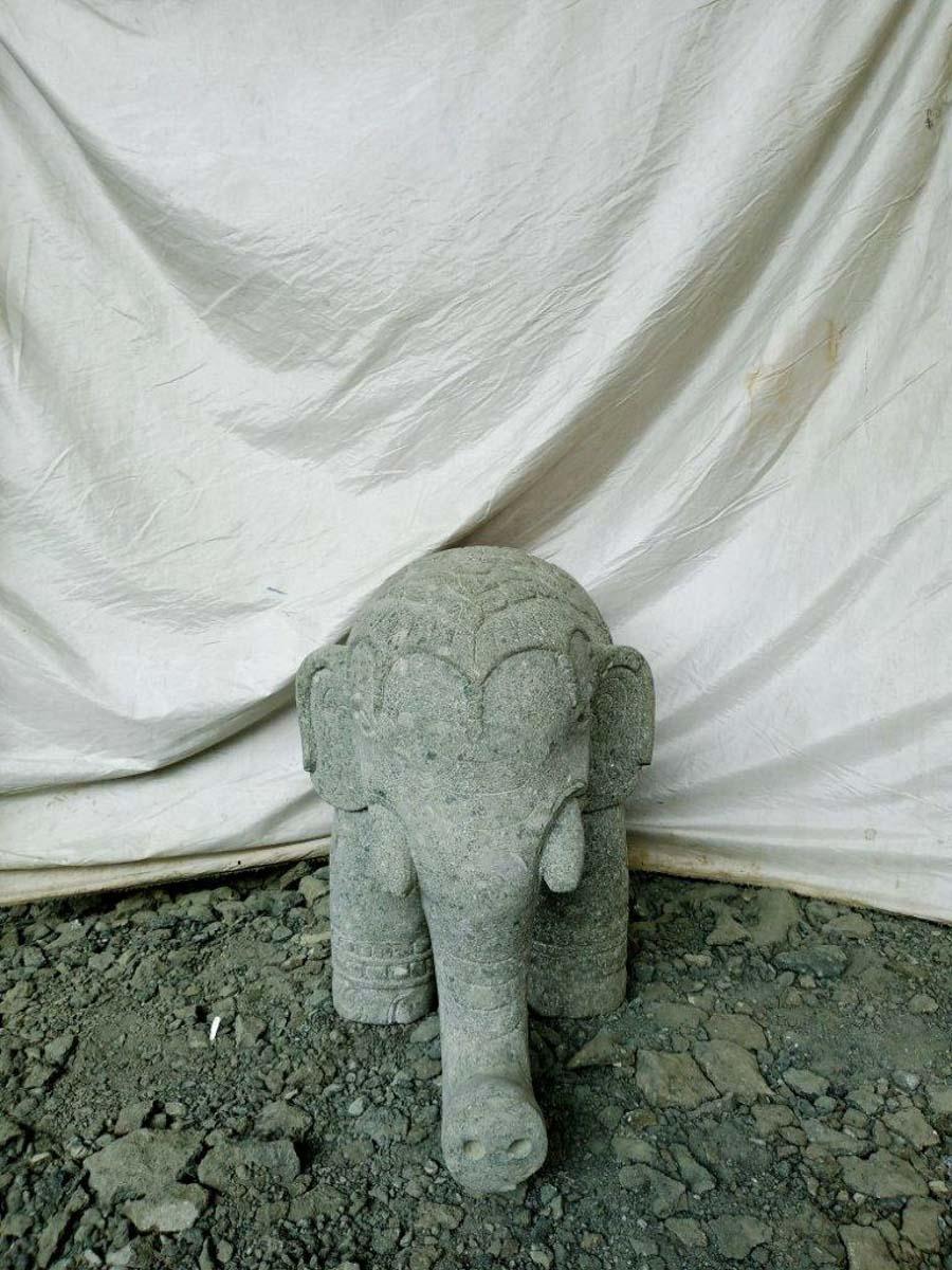 Wanda Collection Statue éléphant indien en pierre 80 cm