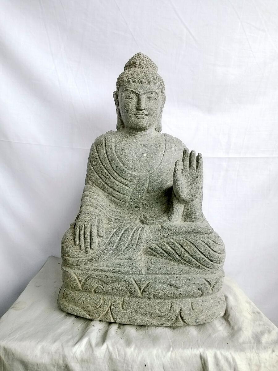 Wanda Collection Statue jardin exterieur Bouddha assis pierre volcanique abhaya mudra 50 cm
