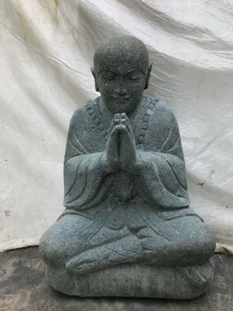 Wanda Collection Statue moine shaolin prière assis en pierre de lave 60 cm