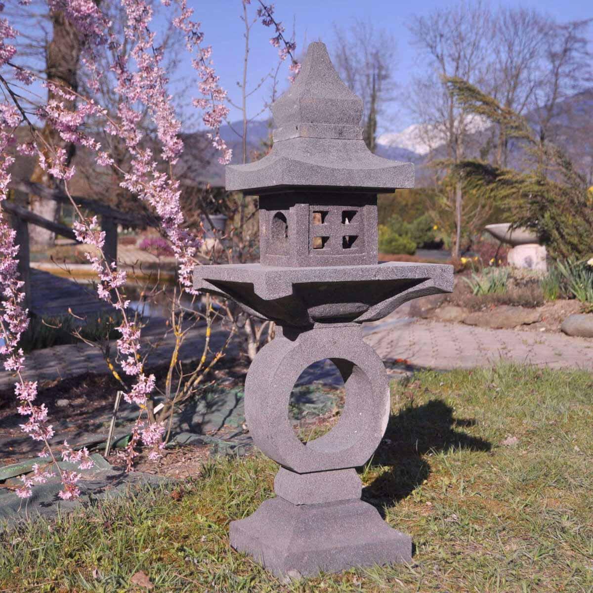 Wanda Collection Lanterne japonaise pagode zen en pierre de lave 105 cm