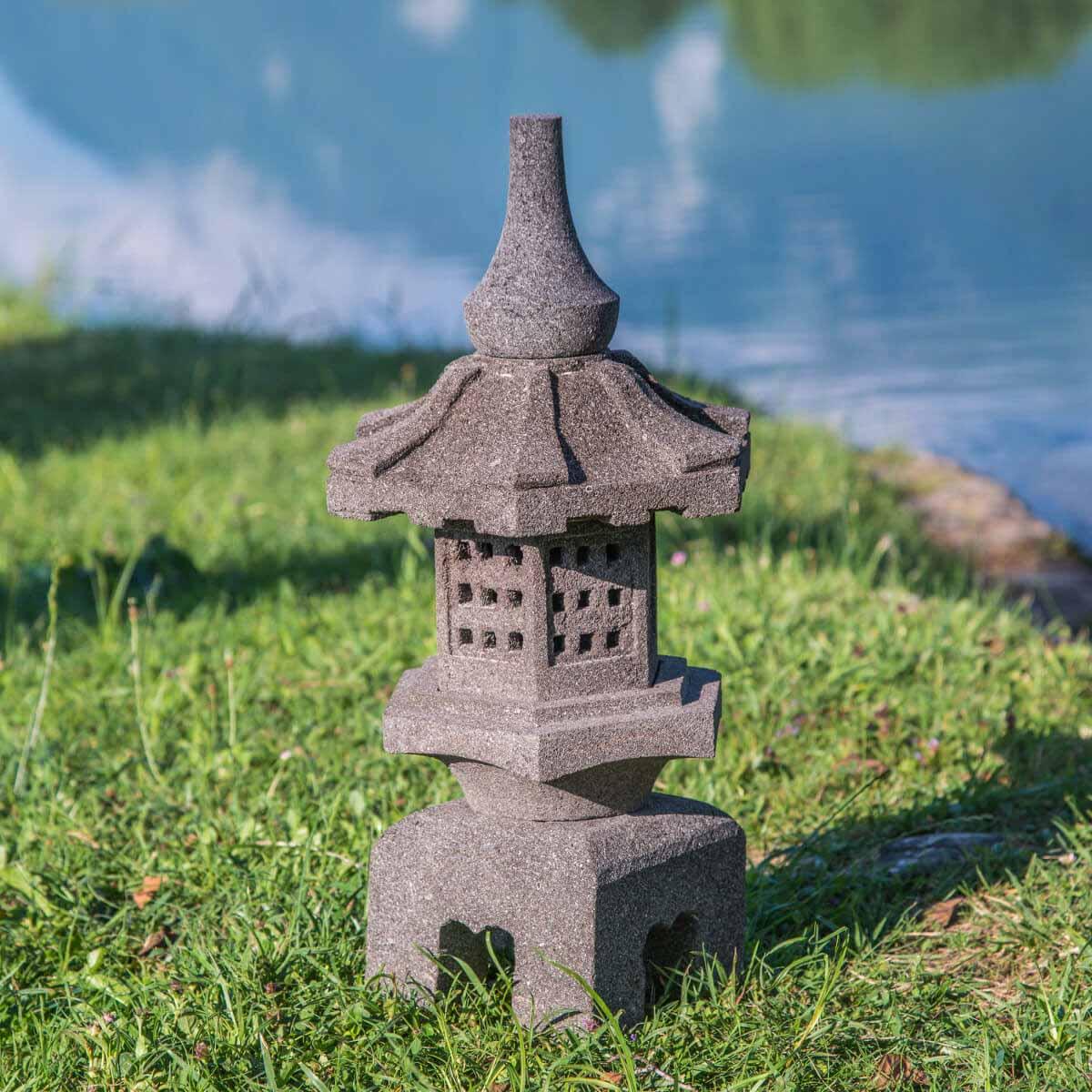 Wanda Collection Lanterne japonaise toro en pierre de lave 55cm