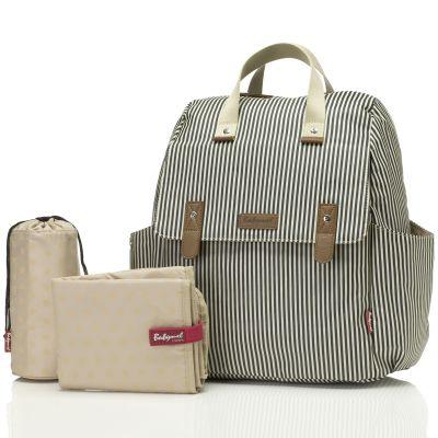 Le sac à langer Robyn convertible en sac à dos backpack rayé de la marque Babymel est très pratique par sa polyvalence : il permet d'être porté en sac-à-dos, sur l'épaule, en bandoulière ou à la main.Ses multiples poches vous permettront de ranger tout ce dont vous avez besoin. Vous aurez également une poche