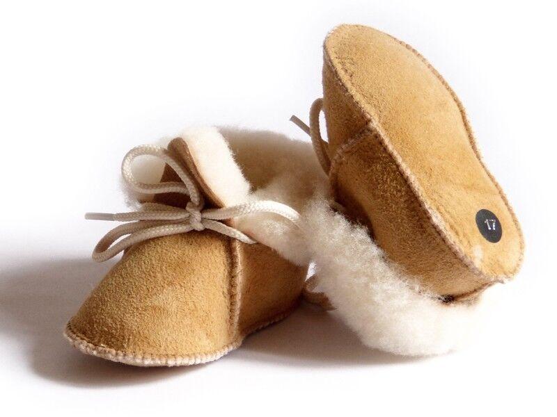 D.grandiose Chaussons bébé beige fourrés en peau de mouton