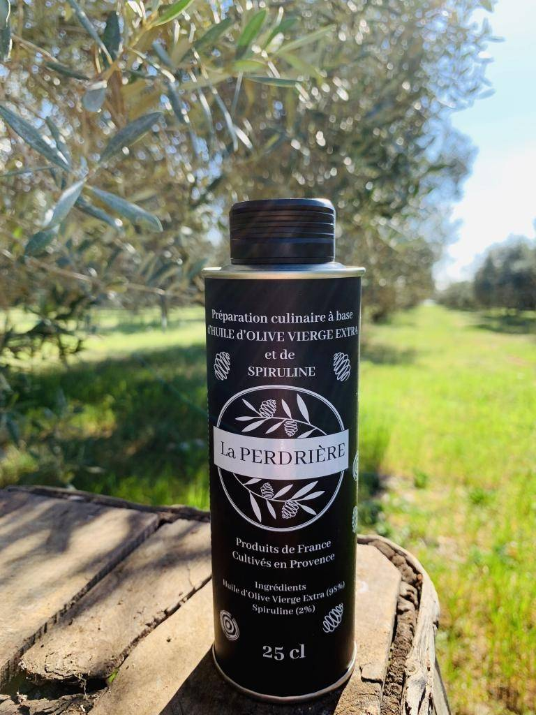 Spiruline Des Oliviers Huile d'olive vierge extra à la spiruline, cultivée en Provence,...