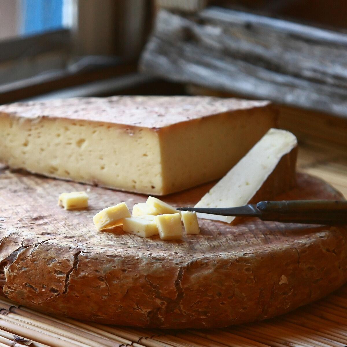 """Le Moulin Gourmand Fromage De Bethmale Au Lait Cru """"3 Laits"""" - 220g"""