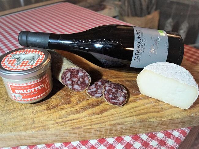 Charcuterie Mannei Apéro au Porc Noir Corse, Patrimonio rouge et Fromage de Brebis au lait cru