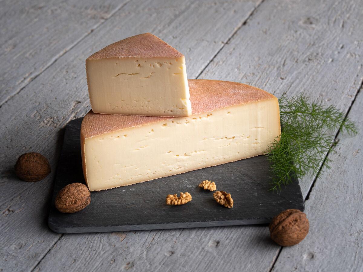 Les Fermes Vaumadeuc Val-Doré - Au lait cru entier de vache - Affinage 2 mois - 850g