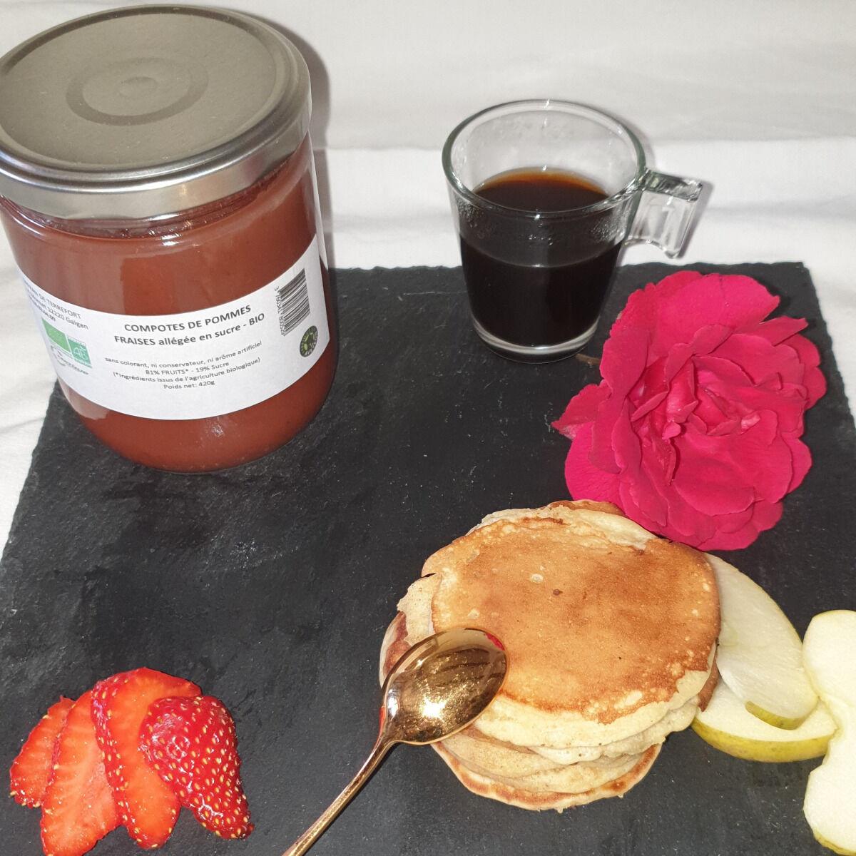 La Ferme du Montet Compote de Pommes fraises allégée en sucre BIO - 420 g
