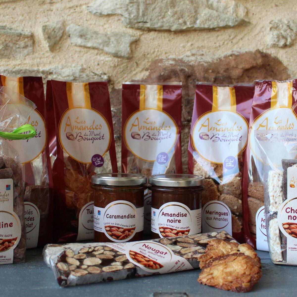 Les amandes et olives du Mont Bouquet Panier Goûter : Biscuits, Nougat, Pralines, Amandes et Pâte à Tartiner