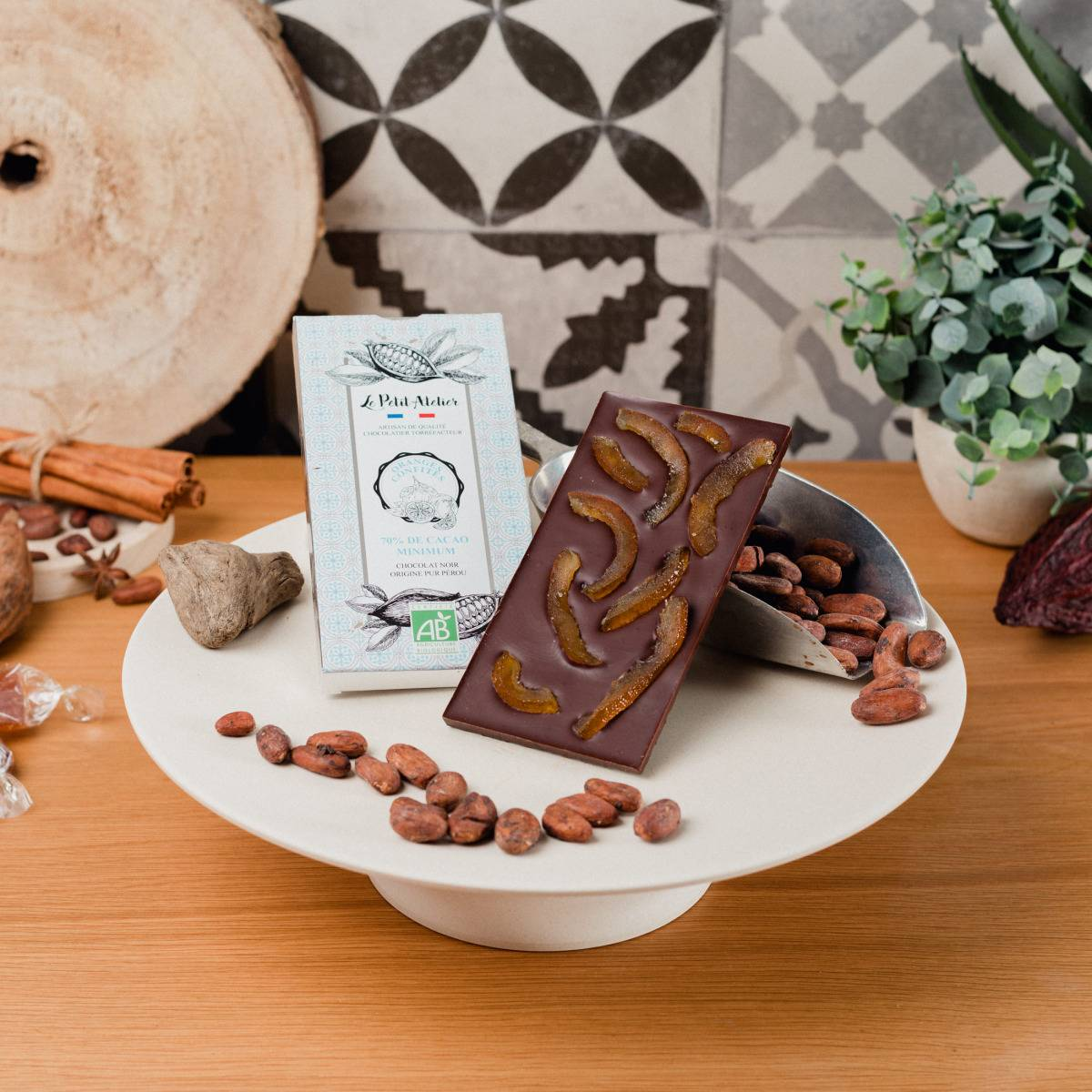 Le Petit Atelier Tablette Chocolat Noir Bio Aux Écorces D'orange Confite