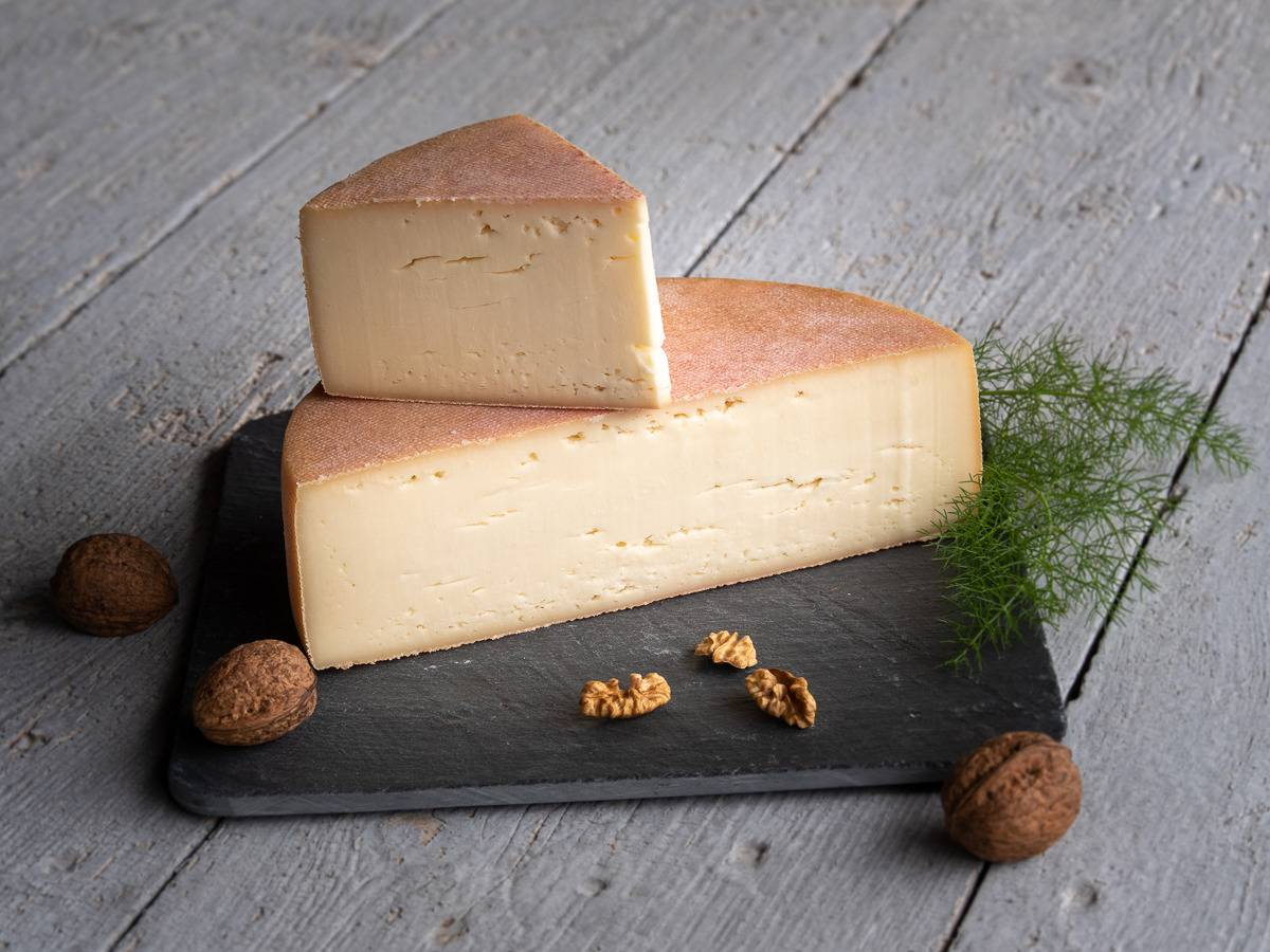 Les Fermes Vaumadeuc Val-Doré - Au lait cru entier de vache - Affinage 2 mois - 430g