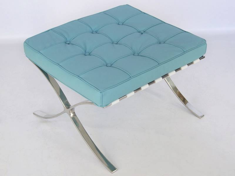 Famous Design Ottoman Barcelona - Bleu ciel