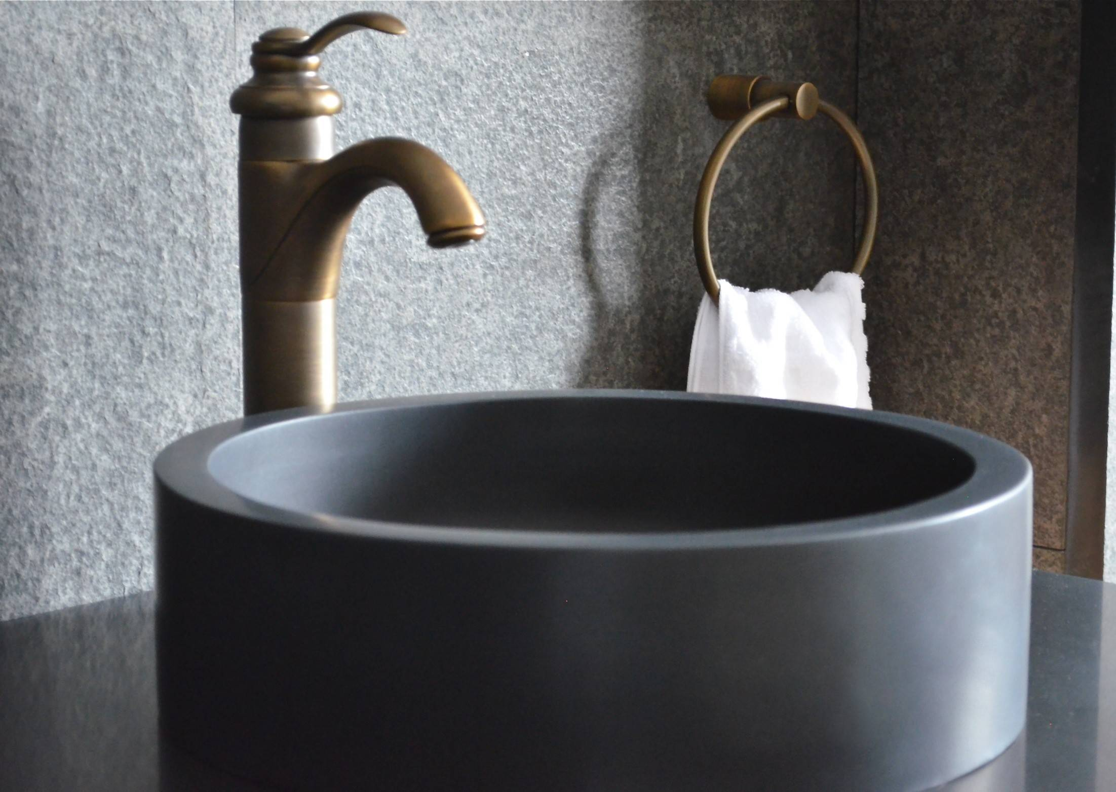 LivingRoc Vasque en pierre ronde basalte noir à poser RONDO DARK