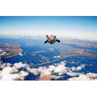 Wonderbox Coffret cadeau Saut en parachute à Saint-Quentin - Wonderbox <br /><b>279.90 EUR</b> Wonderbox