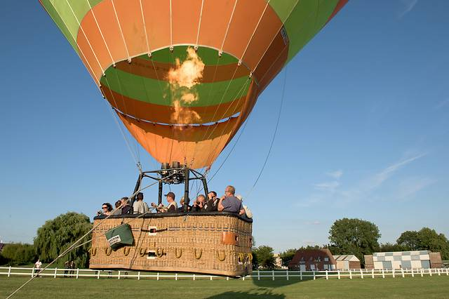 Wonderbox Coffret cadeau Vol en montgolfière à la frontière belge - Wonderbox