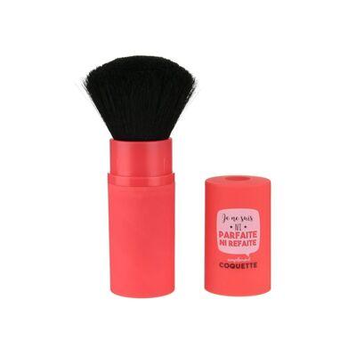 Le Pinceau Blush Simplement Coquette est idéal pour appliquer tous types de maquillage comme : le blush, le bronze ou encore les surligneurs. Avec sa forme arrondie, le Pinceau Blush s'adapte parfaitement aux courbes du visage et des joues et ses poils synthétiques haute qualité vous assure une application