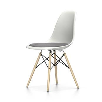 VITRA chaise avec coussin Eames Plastic Side Chair DSW NOUVELLES DIMENSIONS (Blanc, coussin bleu glace/marron marécage - Polypropylene blanc, [...]
