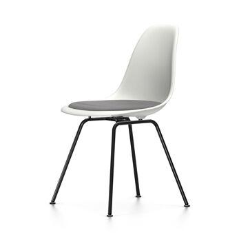 VITRA chaise avec coussin et piètement noir Eames Plastic Side Chair DSX NOUVELLES DIMENSIONS (Blanc, coussin bleu glace/marron marécage - [...]