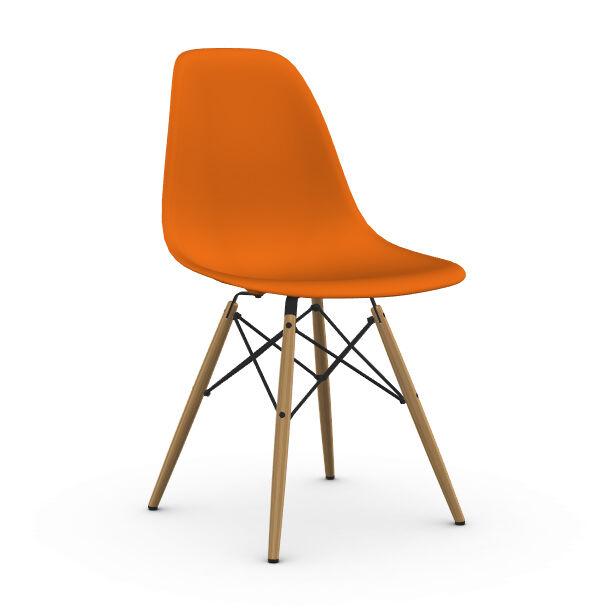 VITRA chaise avec piètement miel Eames Plastic Side Chair DSW NOUVELLES DIMENSIONS (Orange rouille - Polypropylène et frêne miel)
