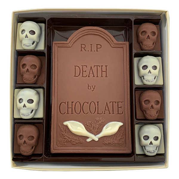 Choc on Choc Boîte de chocolats lait et blancs d'Halloween Pierre Tombale et Cranes - La boite de 200g