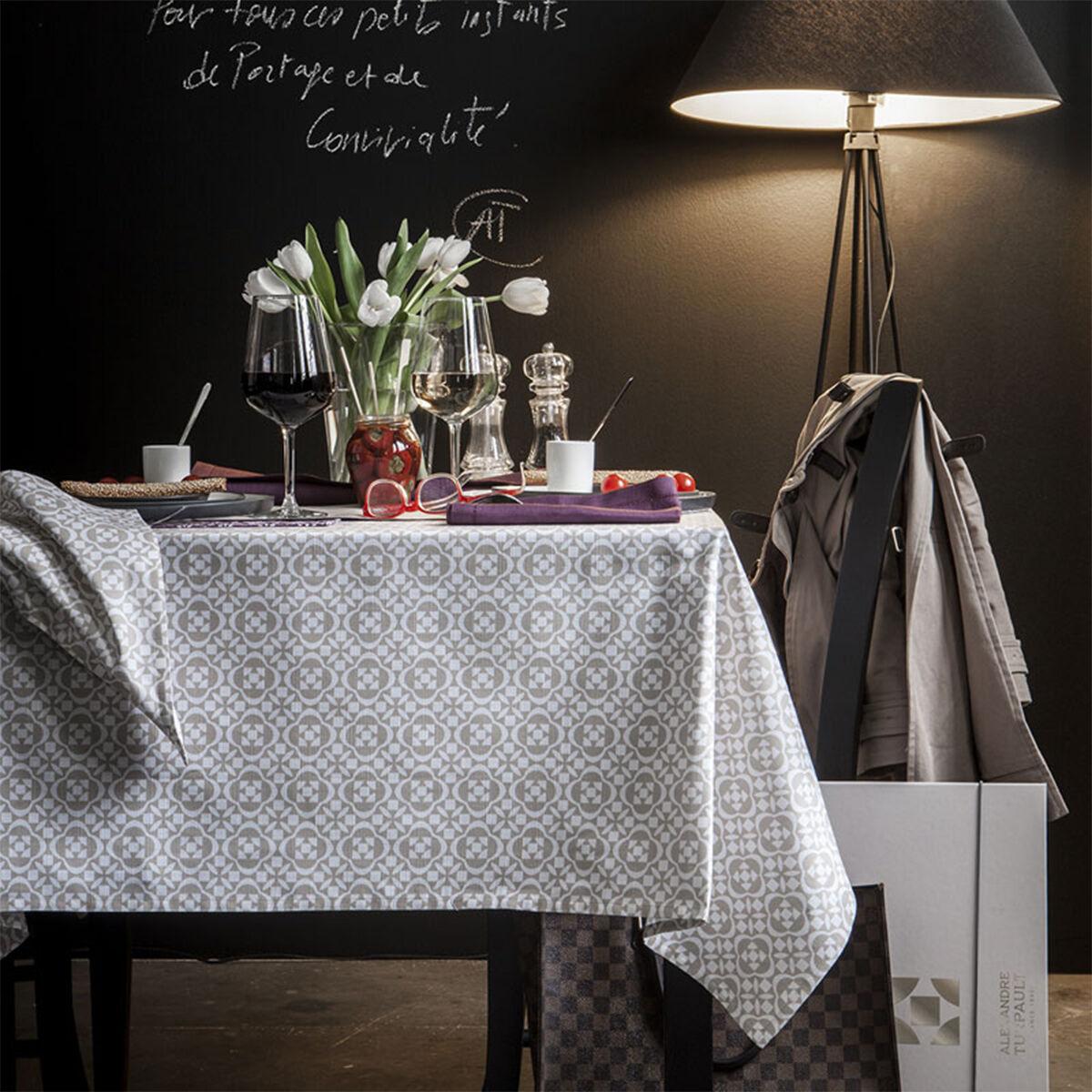 Alexandre Turpault Nappe en coton beige sésame 145x145