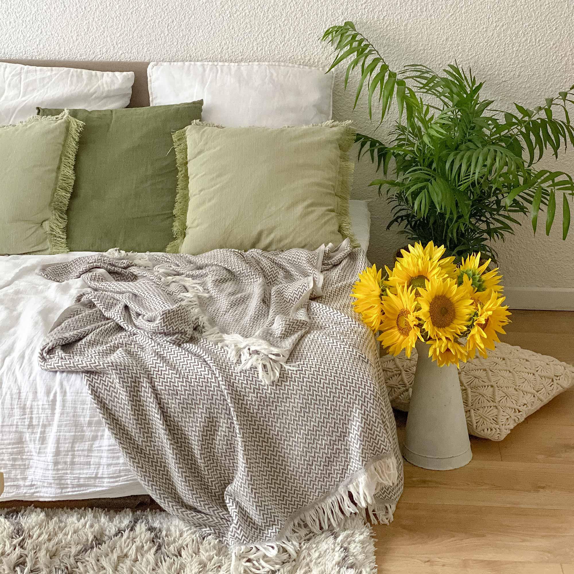 Les jardins de la comtesse Plaid cachemire et laine petits chevrons marron glacé 130 x 230 cm