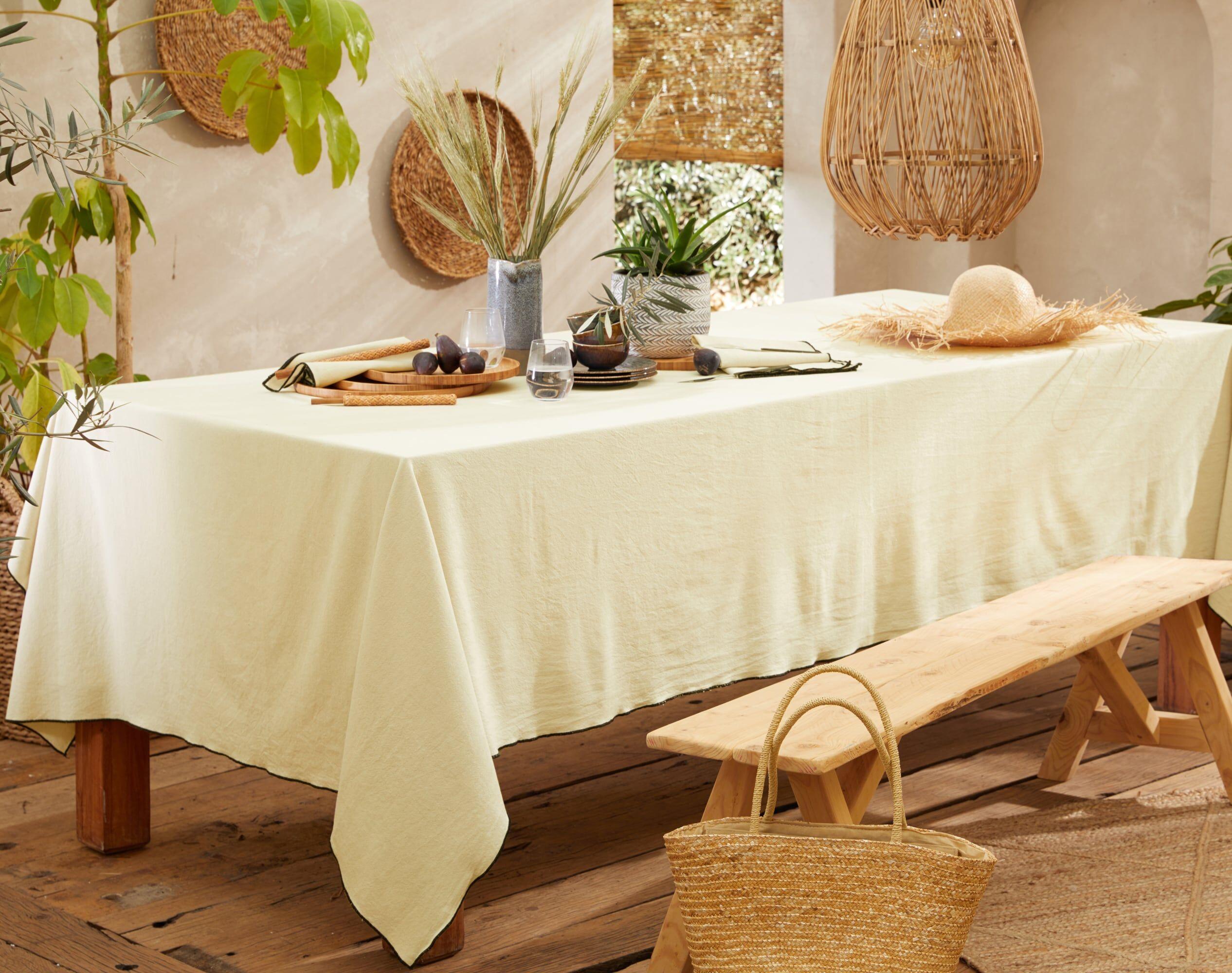 Becquet Nappe carrée beige en coton lavé 160x160