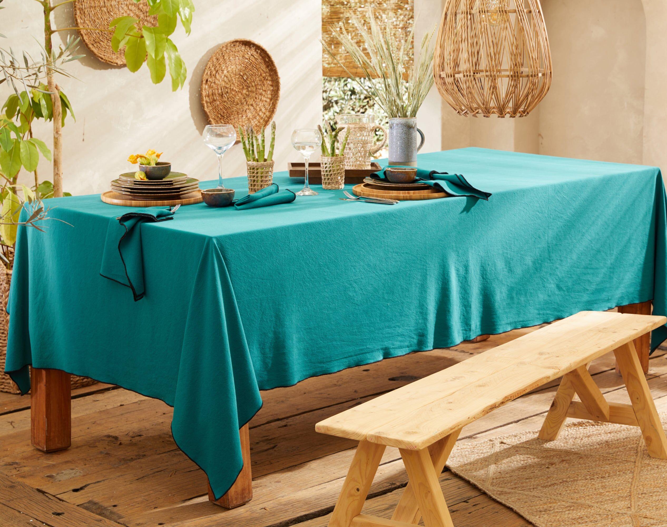 Becquet Nappe carrée bleue en coton lavé 160x160
