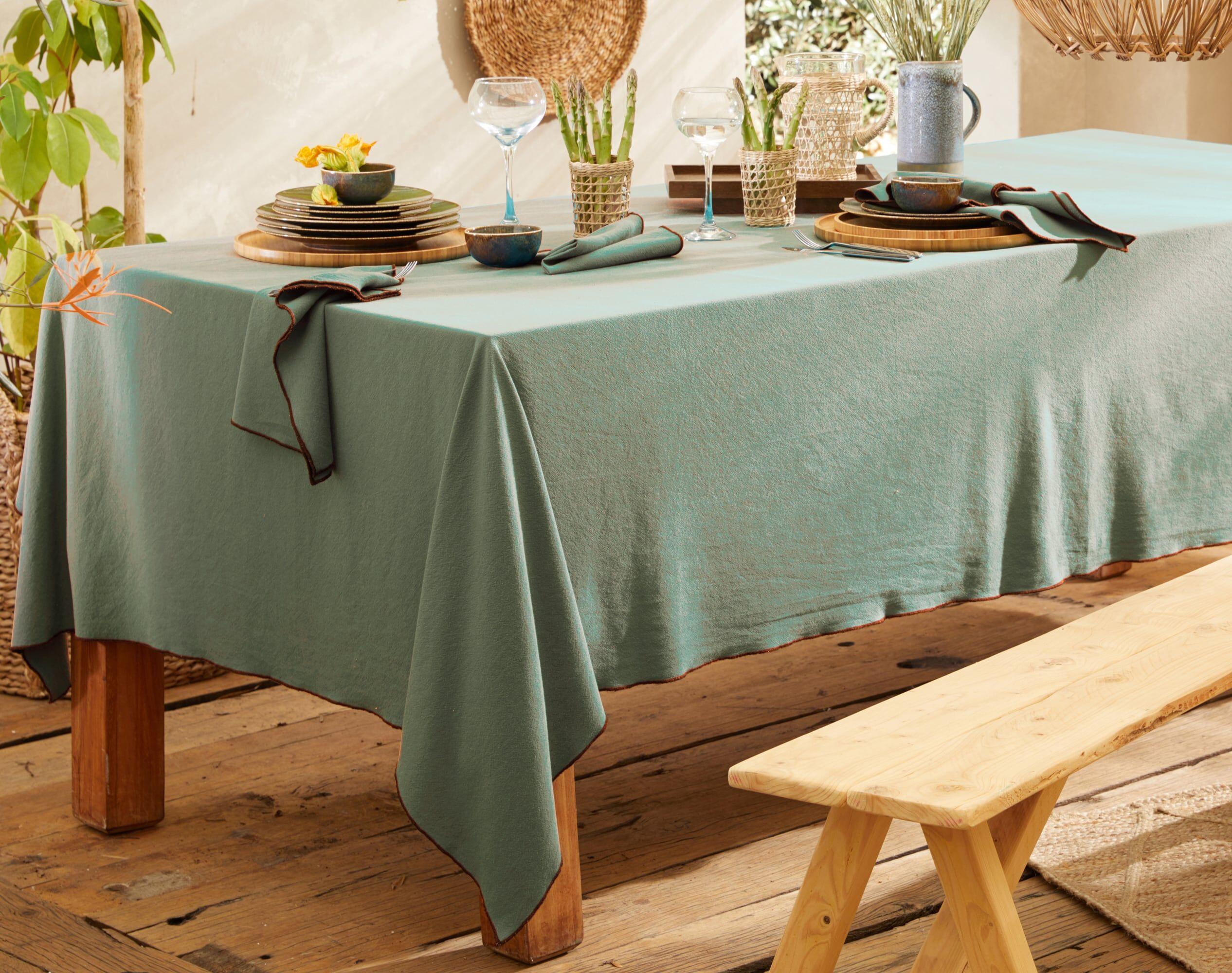 Becquet Nappe carrée verte en coton lavé 160x160